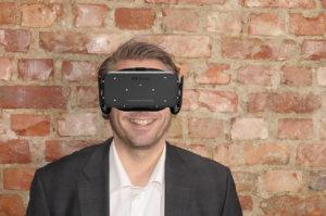 Kenneth med VR